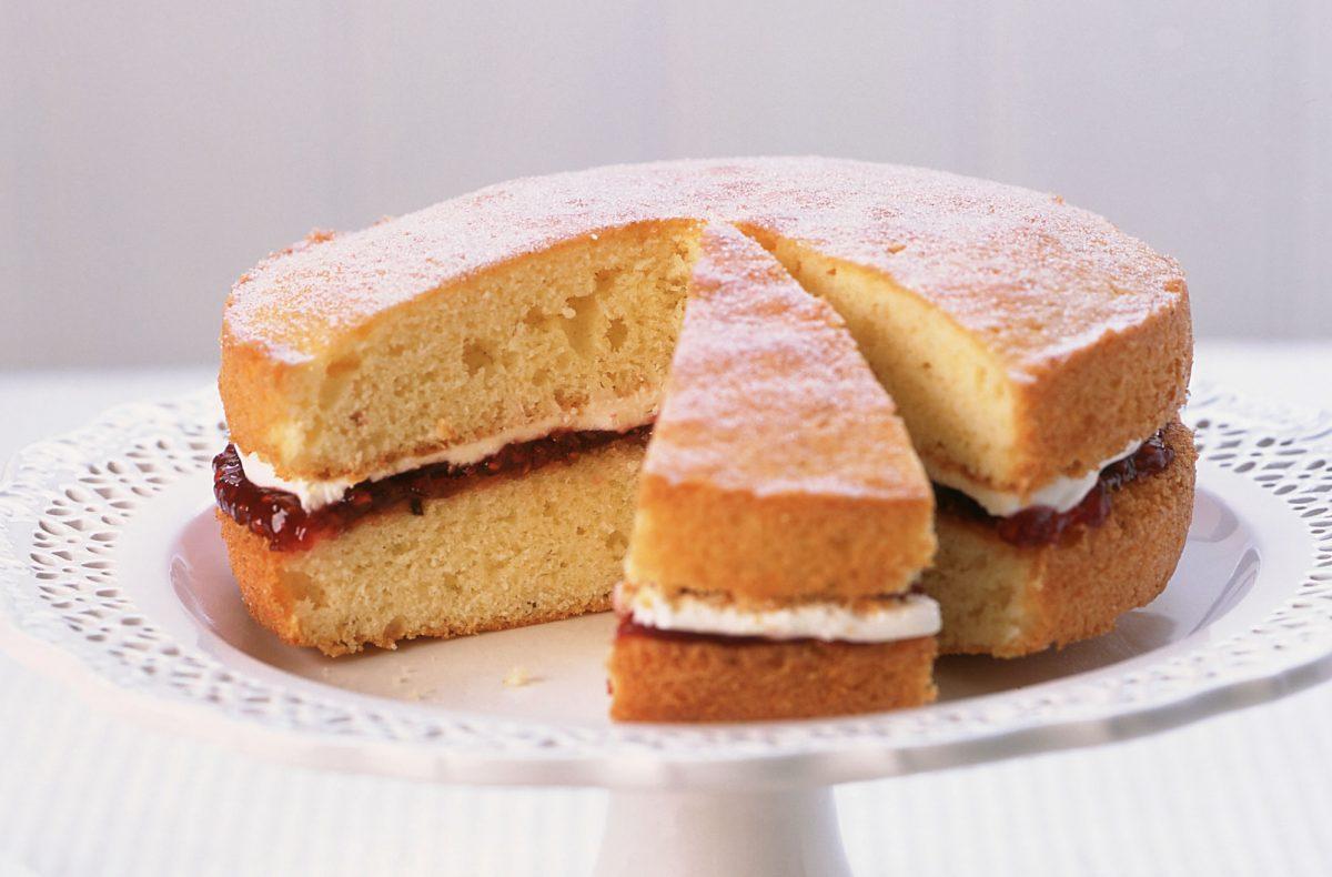 Cara Membuat Sponge Cake yang Enak dan Lembut Banget !