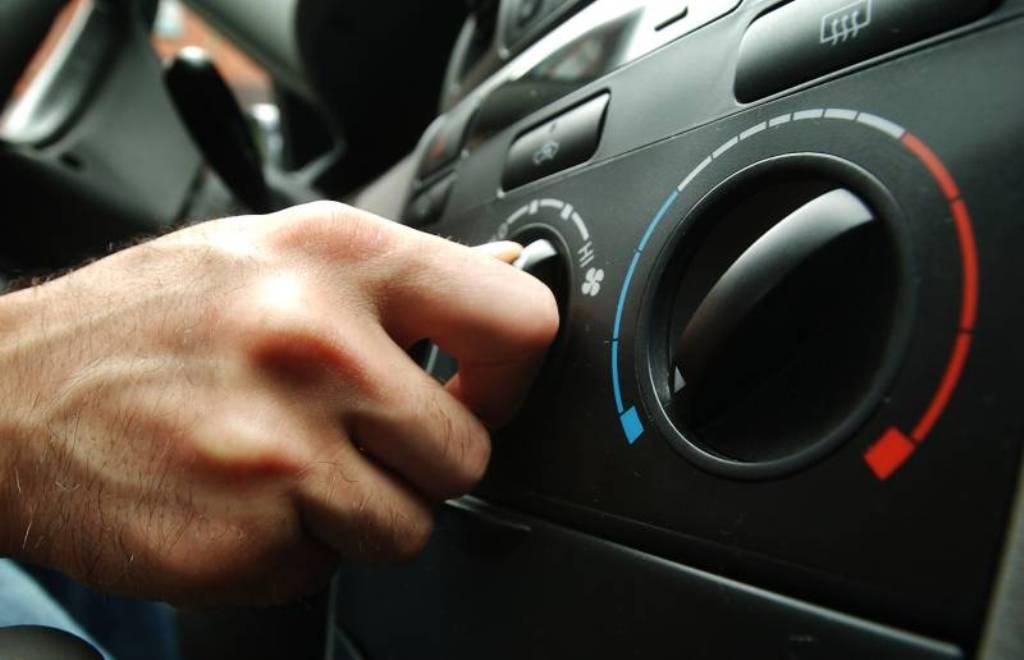cara mengatasi ac tidak dingin pada mobil