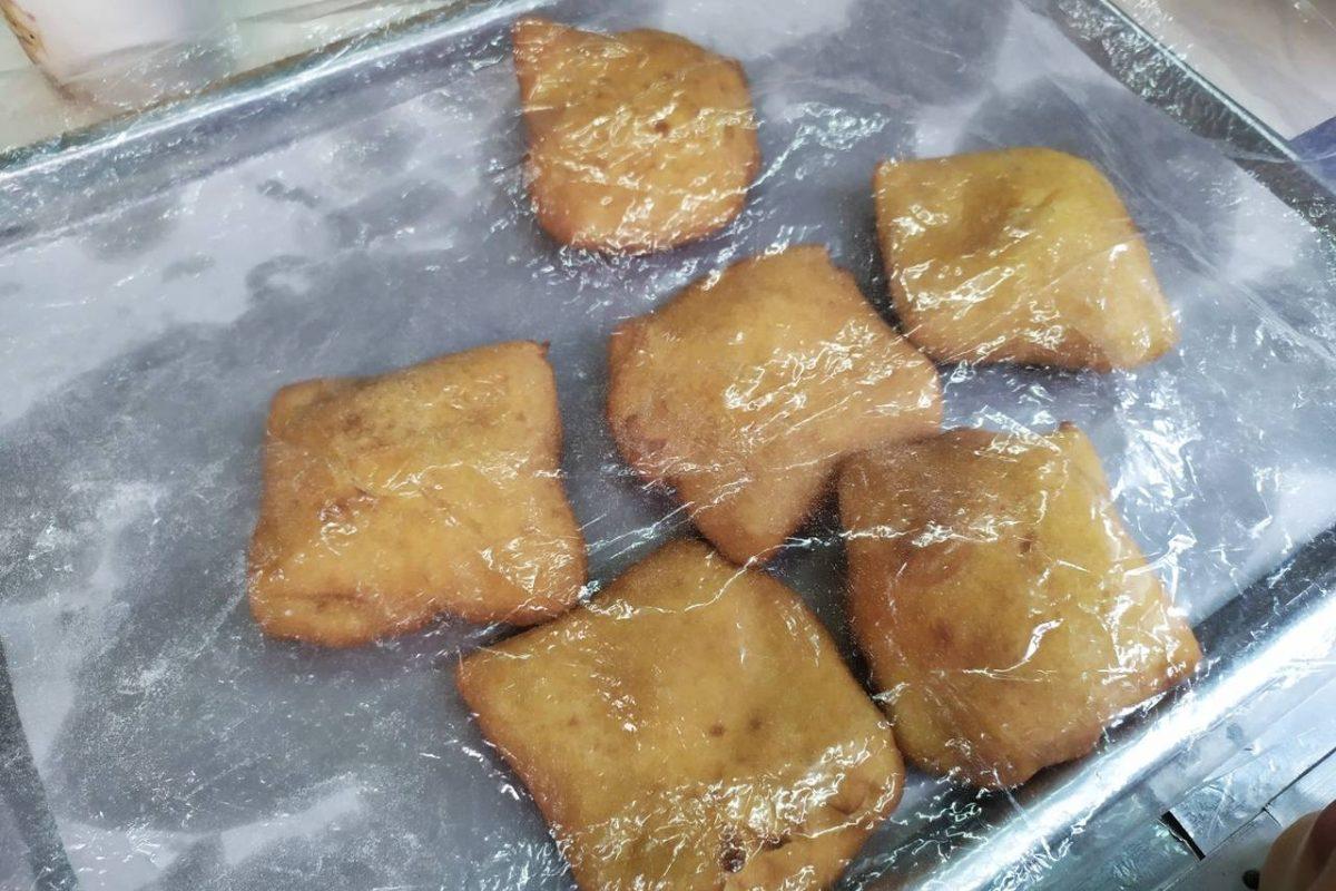 Resep Kue Bantal Isi Coklat Lumer Makyuss Pastinya