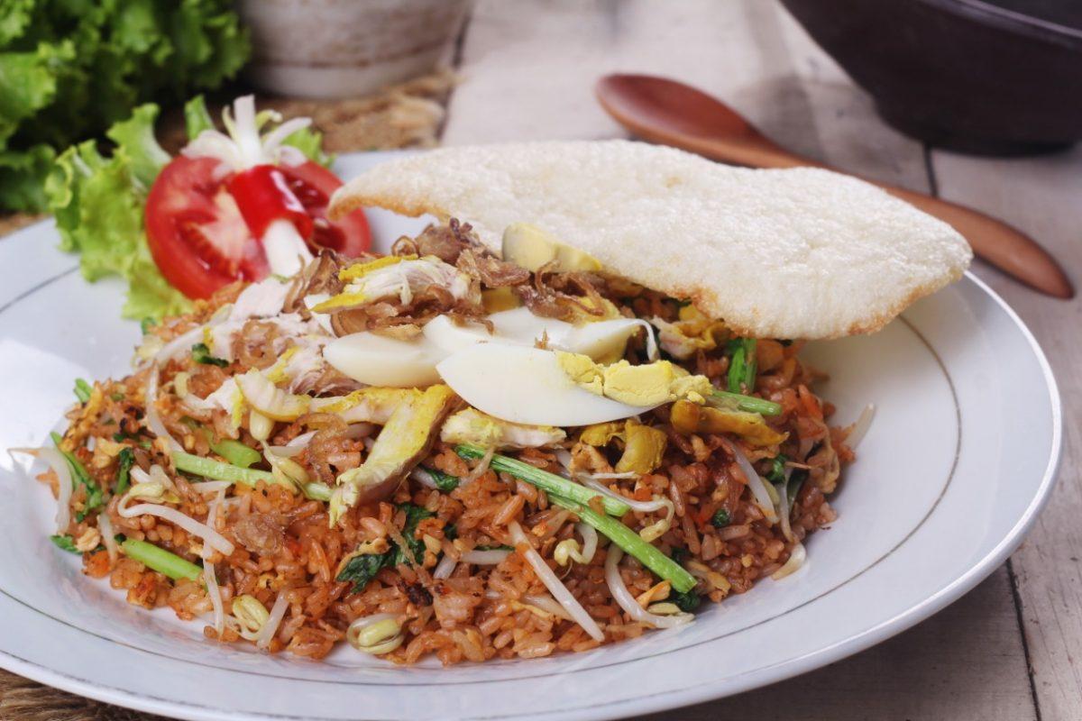 Membuat Nasi Goreng Sederhana